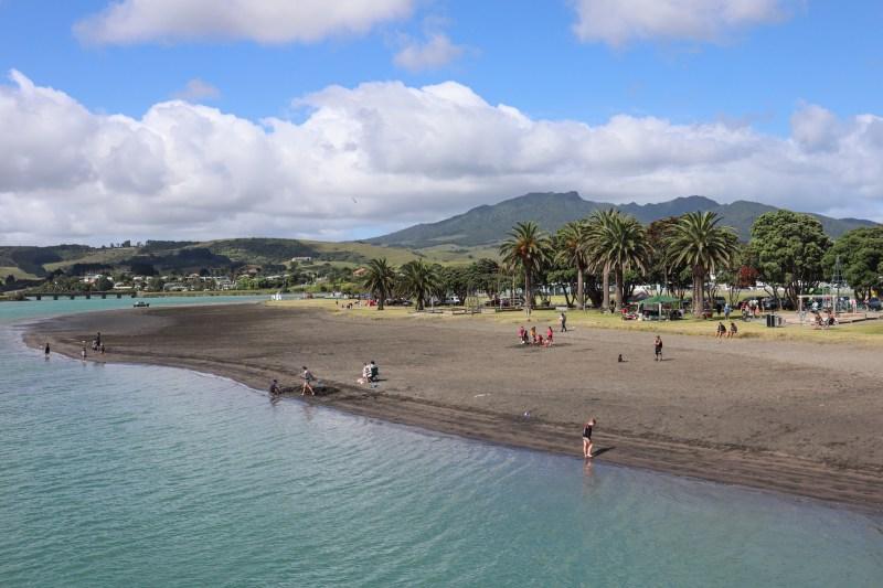 Raglan New Zealand Guide
