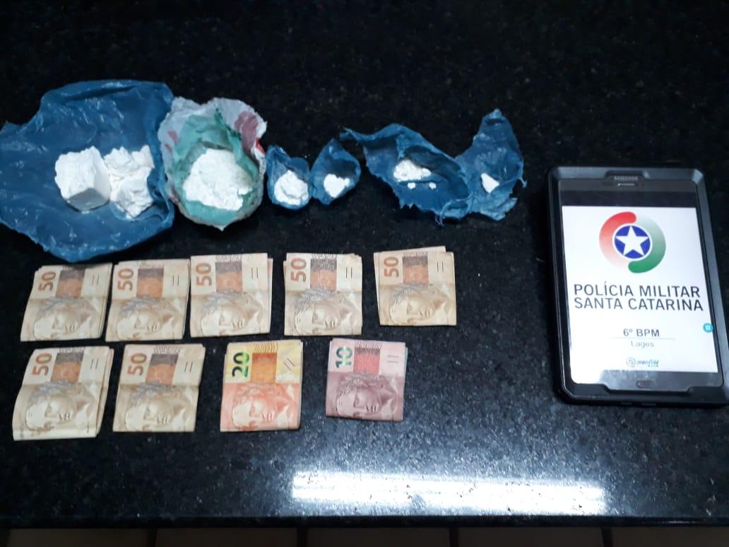 Traficante é flagrado repassando drogas para chegado revender