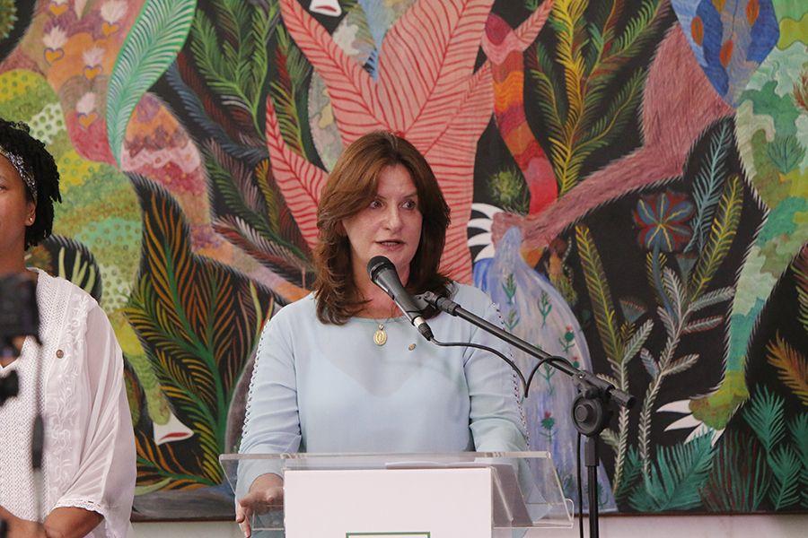 Carmen Zanotto pede união de todos na luta contra o câncer