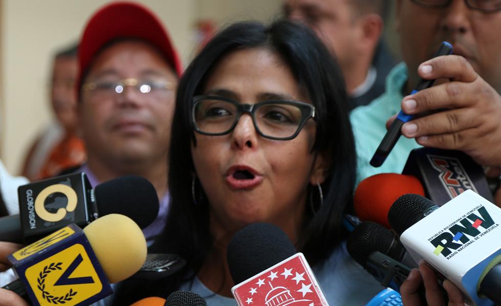 """El nuevo """"look"""" de Delcy Rodríguez, tras el """"show"""" en el Mercosur (Imágenes)"""