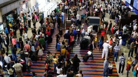 Sin salida: Gobierno prohíbe vuelos generales y privados desde este domingo hasta el 14 de diciembre
