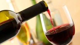 una copa de vino tinto