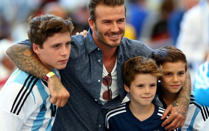 david-beckham-brooklyn-romeo-cruz-beckham-696x547