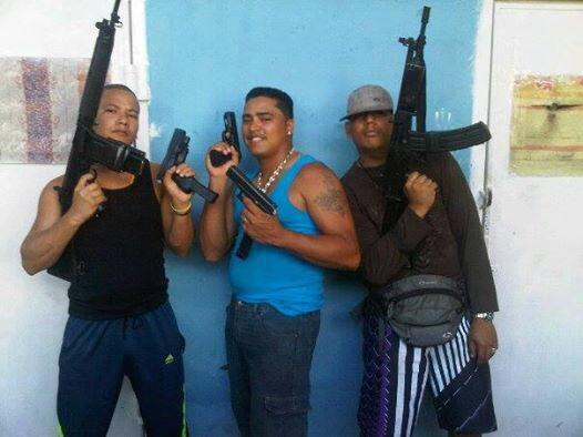 Los delincuentes de Aragua que muestran sin pudor sus armas (Fotos)