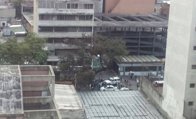 Reportan fuerte tiroteo en el centro de Caracas