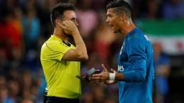 cristiano ronaldo suspendido por empujar a arbitro