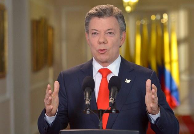 Presidente de Colombia en modo Papa por la visita papal