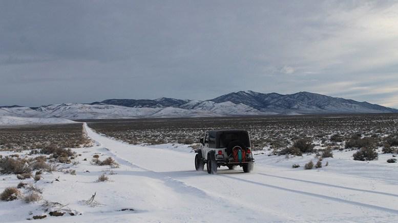 paisaje sahara argelino cubierto de nieve