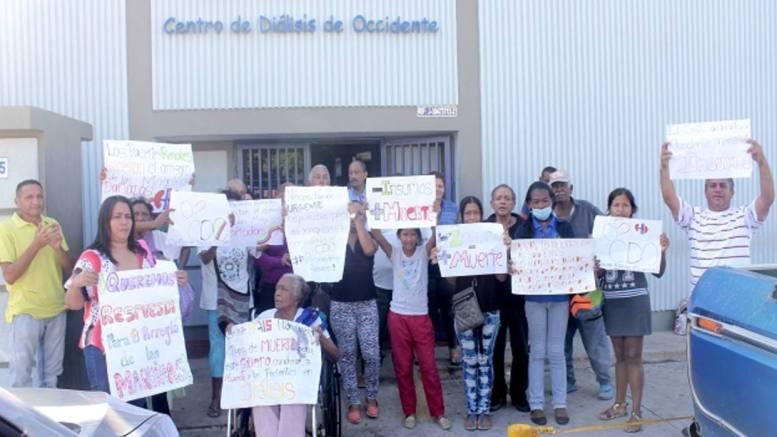 protesta en Unidad de Diálisis en Maracaibo