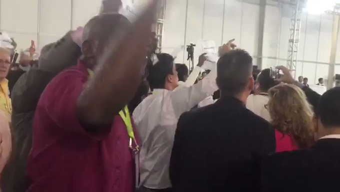 manifestantes-chavistas