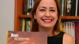 Periodista especialista en gastronomía Rosanna Di Turi muestra su libro Ron de Venezuela
