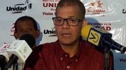 Diputado Omar Ávila da rueda de prensa
