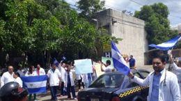 medicos protestando en nicaragua