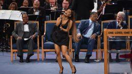 Ariana-Grande-Bill-Clinton