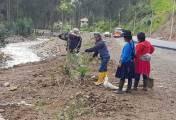 Adecentan áreas verdes en comunidad de Playa de Fátima en Nazón