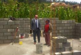 Miduvi construyen viviendas para personas con discapacidad