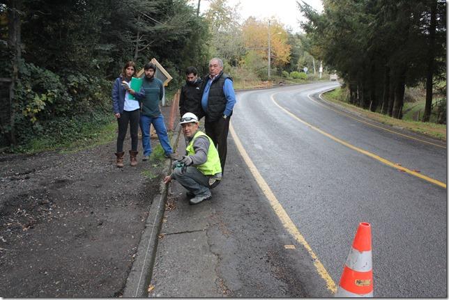 FOTO alcalde de Pucón realiza inspección de obras 2