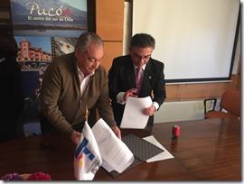 FOTO tesorería regional suscribe convenio con municipio de Pucón