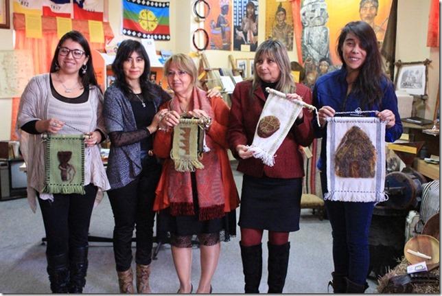 FOTO donación telares mapuche 1