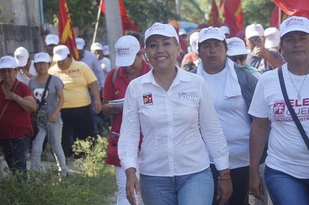 """ELENA CUERVO: """"Mi único padrino es el pueblo""""."""