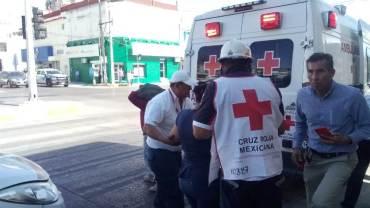 """Teléfono público """"descalabra"""" a una mujer en Madero"""