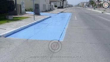 Tránsito de Ciudad Madero da mantenimiento a rampas para personas con discapacidad
