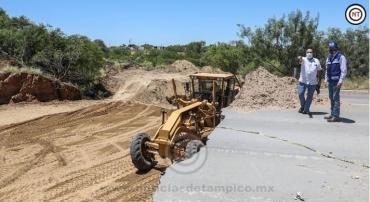 Constata Rivas avance en reparación de socavones