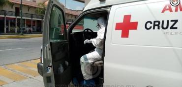 Hasta 12 sospechosos de COVID-19 al día, traslada Cruz Roja.