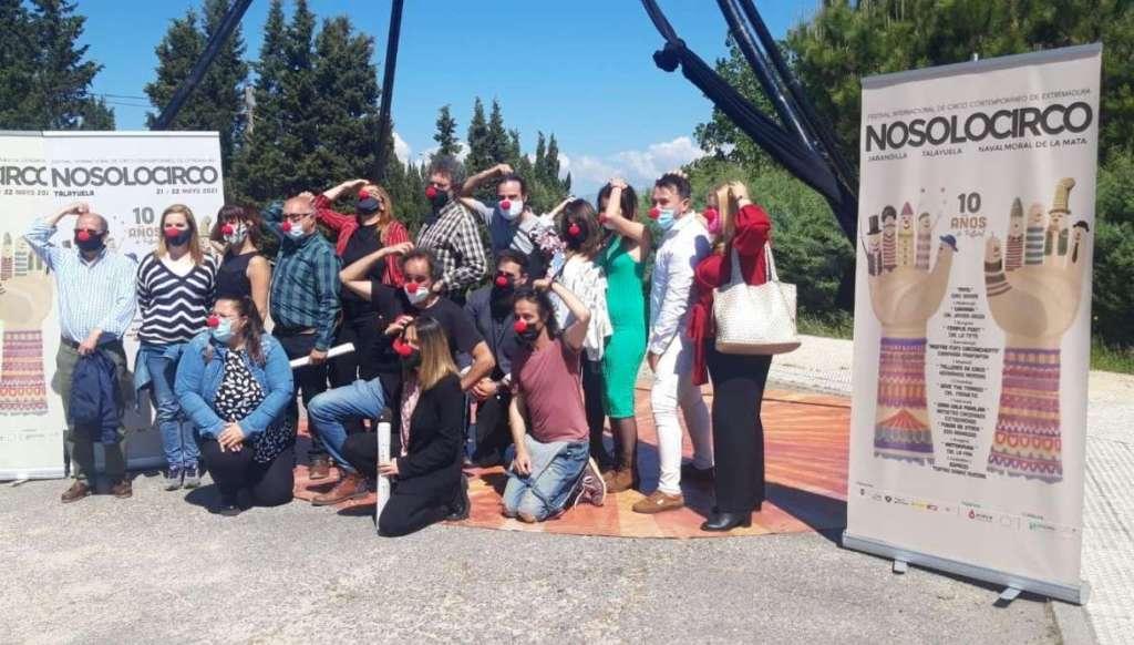 La-consejera-de-Cultura-reafirma-el-compromiso-de-la-Junta-de-Extremadura-con-el-mundo-del-circo-en-la-region-2
