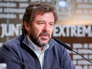"""""""El cazador de cerebros"""" de TVE entrevista al director del Centro de Investigación Clínica de Badajoz, Adrián Llerena"""