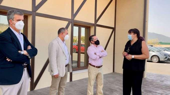 Begona-Garcia-visita-varios-proyectos-empresariales-de-la-localidad-de-Hervas