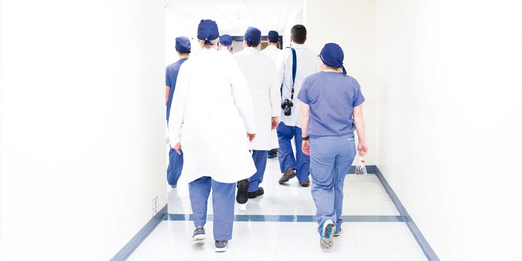 Reforzar el sistema público de salud