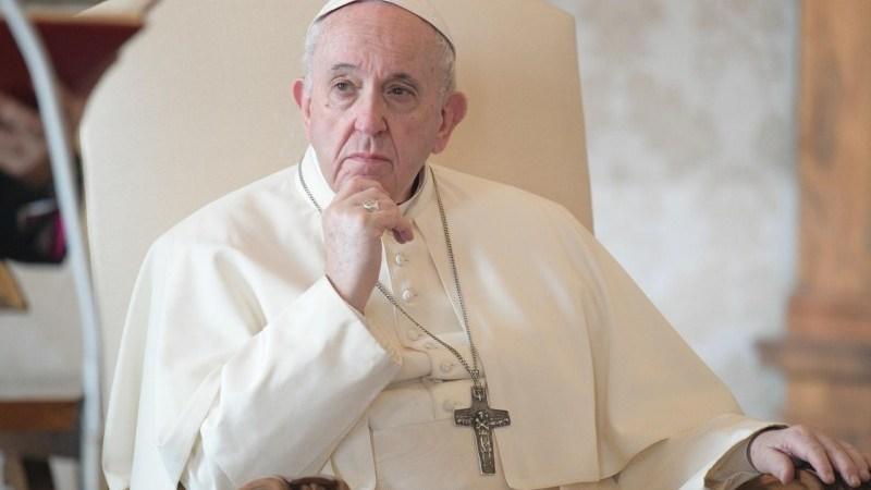 Francisco advierte del peligro de convertir a la Iglesia en partido político, empresa u ONG