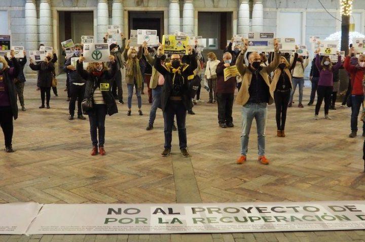 Trabajadores cristianos de Huelva se movilizan contra el enterramiento de residuos