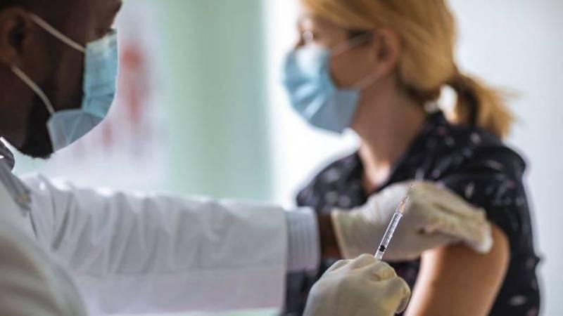 Se necesitan 62.000 trabajadores sanitarios para hacer frente a la campaña de vacunación