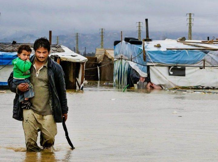 """Francisco pide que """"veamos y nos preocupemos"""" de los desplazados climáticos"""