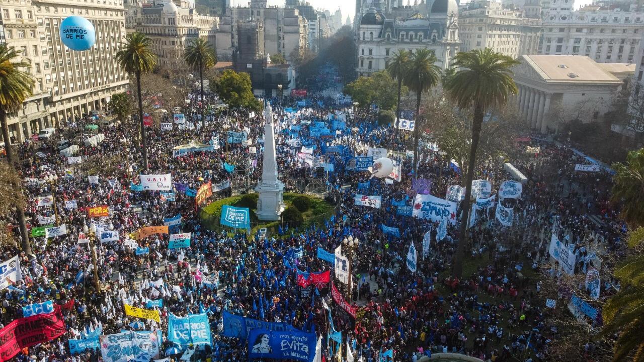 Los trabajadores argentinos más humildes y sin derechos reclaman trabajo digno y salario universal
