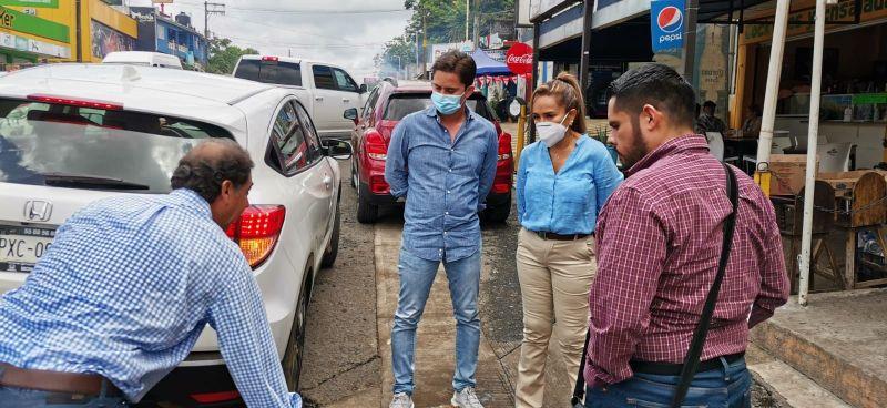 Supervisa SCT estado de carretera federal 180 en San Andrés Tuxtla