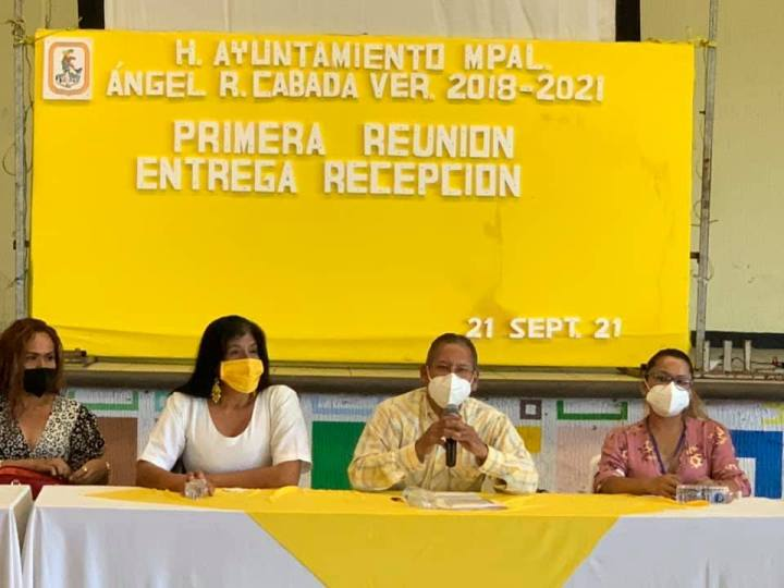 En Cabada, recibe el alcalde Arturo Herviz a la comisión de recepción del gobierno entrante