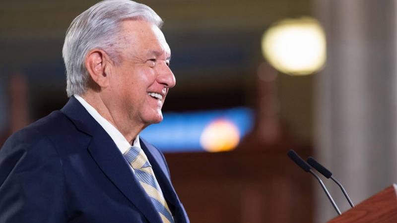 Anuncia AMLO reapertura de frontera con EE.UU.; diálogo y vacunación contribuyeron a lograr este propósito, afirma