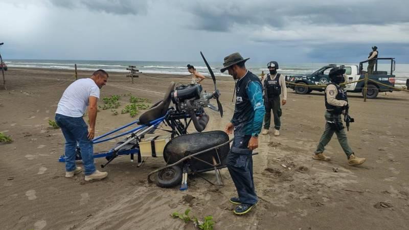 Se desploma avión ultra ligero en Playa Chachalacas, Úrsulo Galván