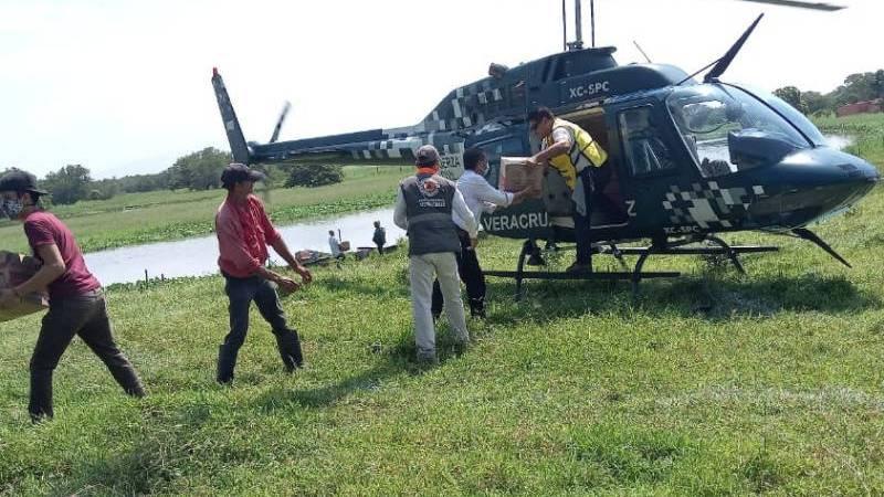 Se han entregado víveres a mil 300 familias damnificadas de Lerdo de Tejada: Cuitláhuac