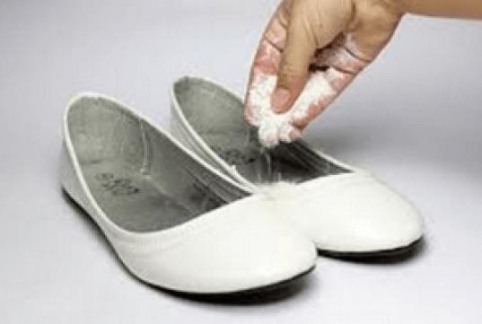 nepriyatnyi-zapah-obuv