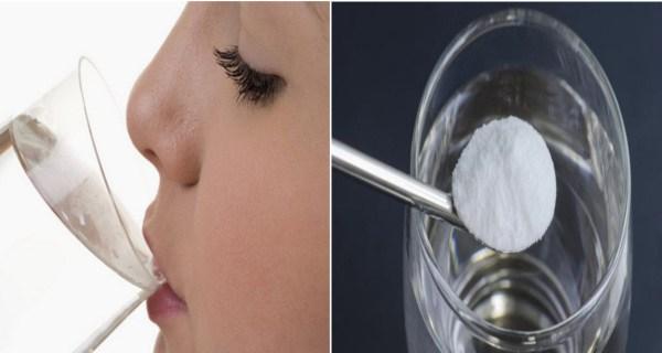Ela bebeu um copo de água com uma colher de chá de bicarbonato de sódio todos os dias durante 30 dias, e o resultado foi incrível!