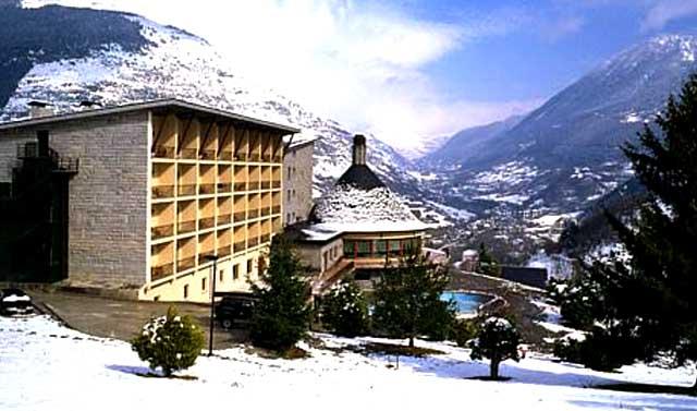 03-hotel-pirineo-catalan-parador-de-vielha-lleida