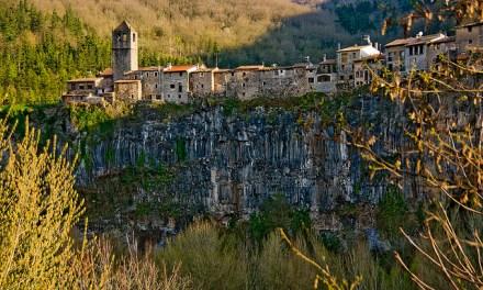 Castellfollit de la Roca, uno de los pueblos con mejores vistas