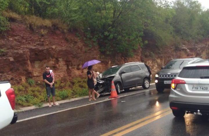 Photo of Para evitar segundo acidente, motorista sai para sinalizar e morre atropelado na BR-116