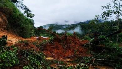 Photo of Chuva provoca deslizamento de terra e rodovia é bloqueada próximo a Jequié; confira o vídeo