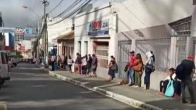 Photo of Conquistenses que recebem Bolsa Família formam filas gigantes para sacar auxílio emergencial; confira o vídeo