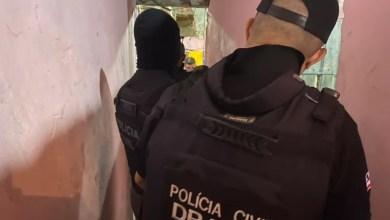 Photo of Suspeitos de roubos a bancos morrem em confronto com a polícia na Bahia; policial foi baleado